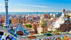 Турпоток из РФ в Испанию в июле вырос почти на четверть
