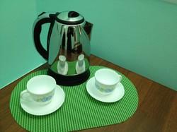 Туристы используют чайники в номерах отелей для стирки нижнего белья