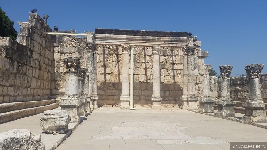 Белая синагога в Кфар Нахум (Копернаум)