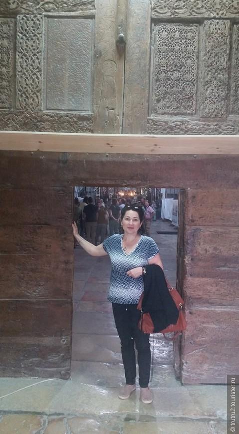 Вифлеем, вход в Храм Рождества.