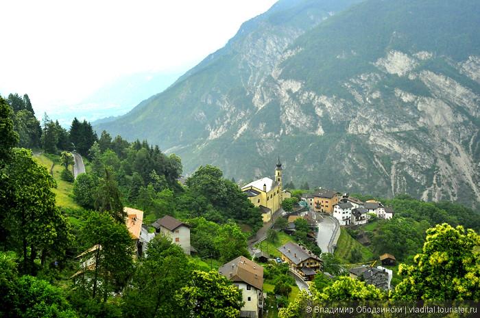 15_Поселок в горах.jpg
