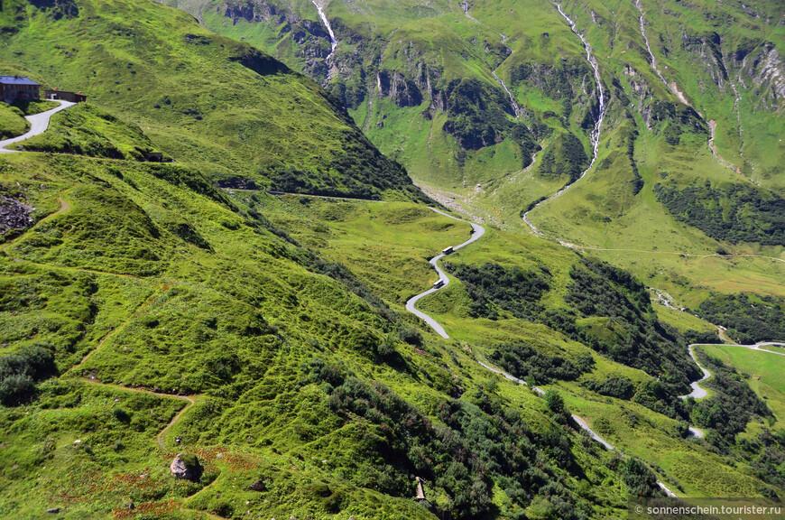 Высокий Тауэр-национальный парк, площадью почти в двести тысяч гектар, является крупнейшим в Центральной Европе. А назван он в честь высочайшего австрийского горного хребта, который известен сразу несколькими пиками выше трех тысяч метров и роскошными горными водопадами.