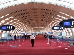 МИД РФ предупреждает россиян о сбоях в работе аэропортов Франции