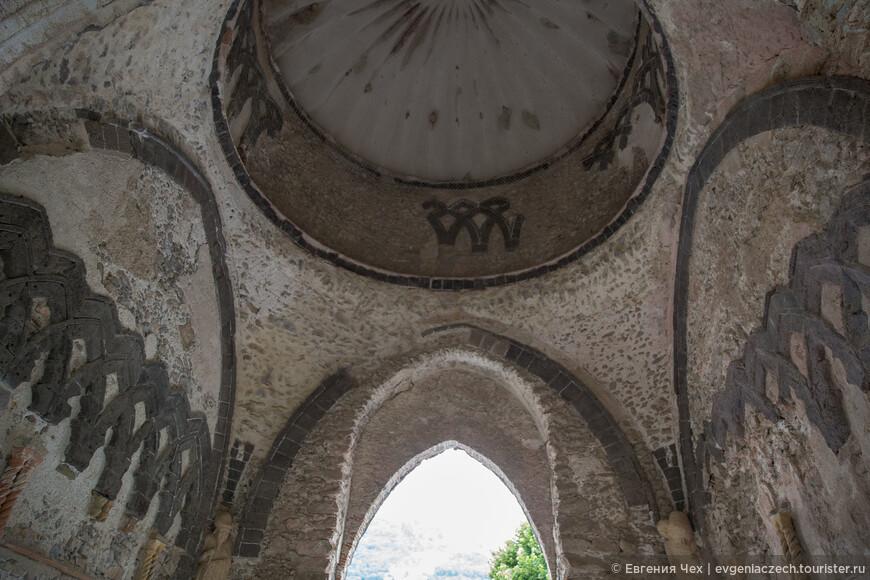 Вилла Руфоло, родовое гнездо семьи Руфоло, построена в 13 веке
