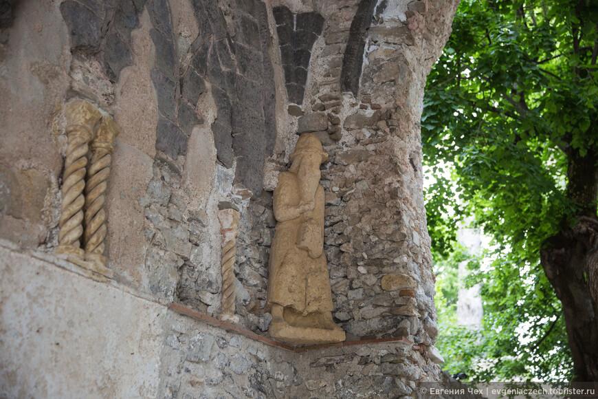 Равелло имеет славную историю, основан римлянами, затем - часть Амальфитанской Республики.