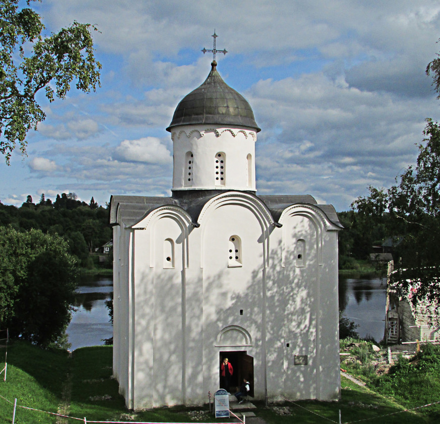 Георгиевская церковь - один из немногих хорошо сохранившихся домонгольских храмов.
