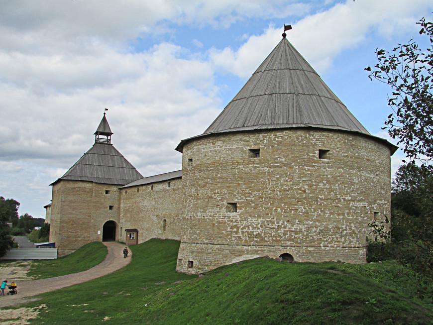 Климентовская и Воротная башни с земляного вала XVI в.