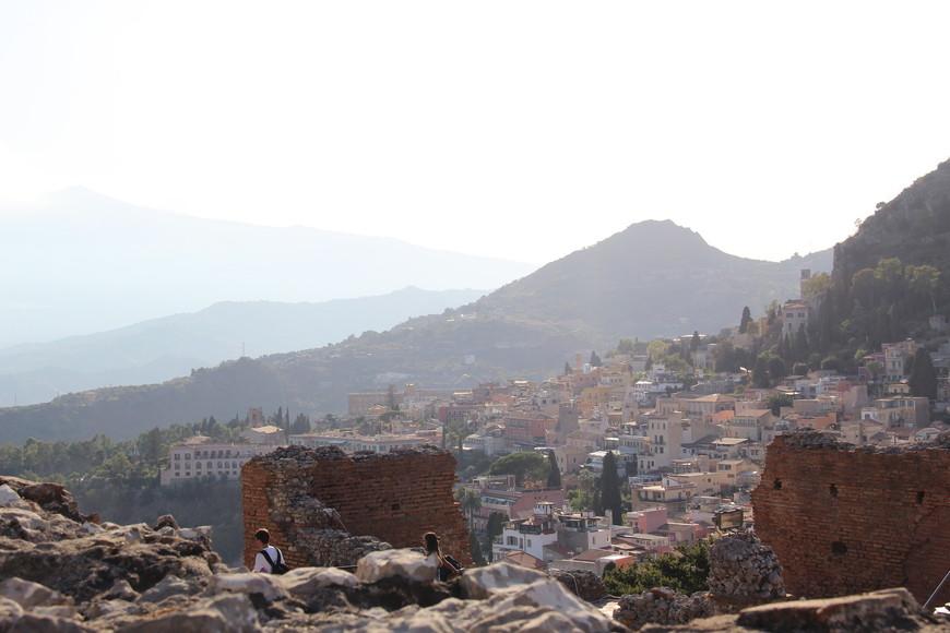 Другой ракурс с Греческого театра. Вид на город.