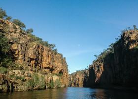 в этих местах часто снимают фильмы про Австралию и крокодилов.