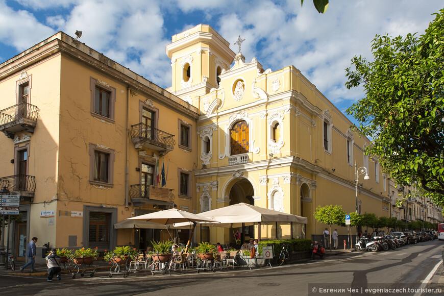 Церковь делла Мадонна дей Кармине