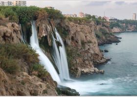 Нижний Дюденский водопад. Эту картинку из Анталии вы ни с чем не сможете перепутать.