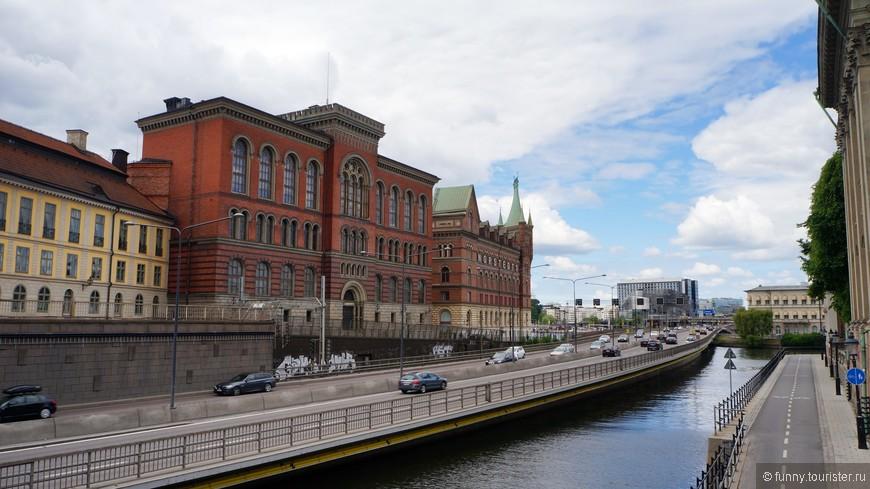 Здание старого Национального архива является образцом культуры строительства в Европе своего