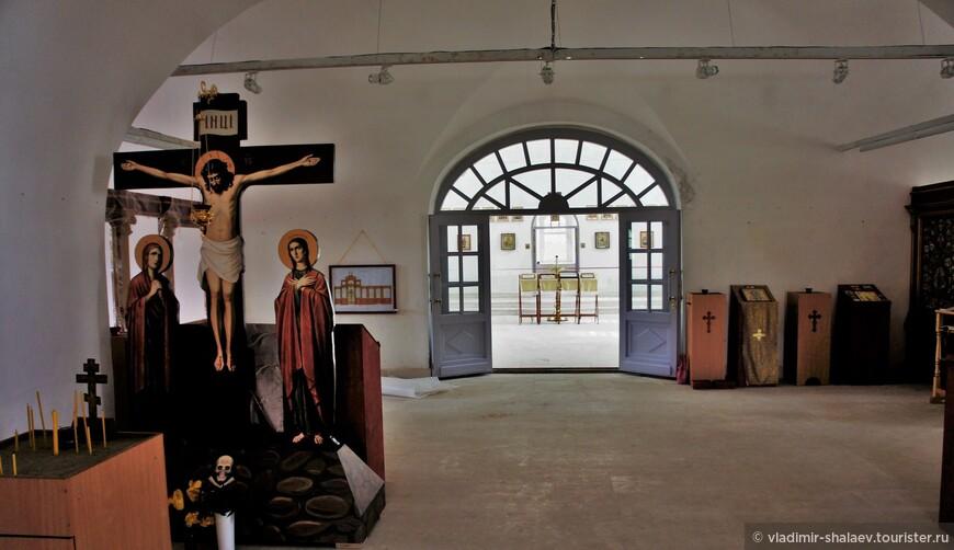 После реставрации церкви снаружи началась реставрация внутри.