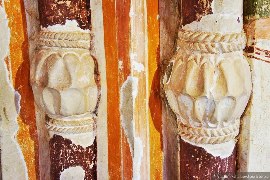 Одной из отличительных особенностей красок Дионисия является мягкость цветов и нарядность.