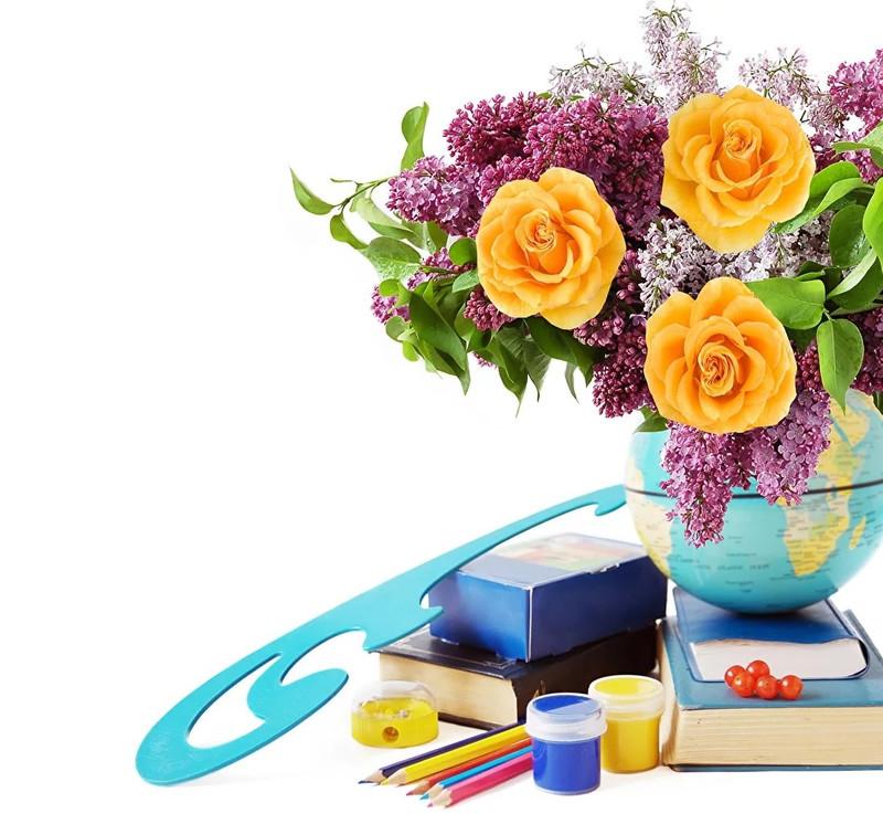 красивая открытка первой учительнице дом