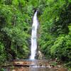 Случайный водопад с чистейшей горной водой
