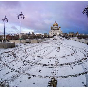Храм Христа Спасителя и Патриарший мост. Зимний вариант.