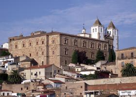 Кáсерес (Cáceres) — живая история