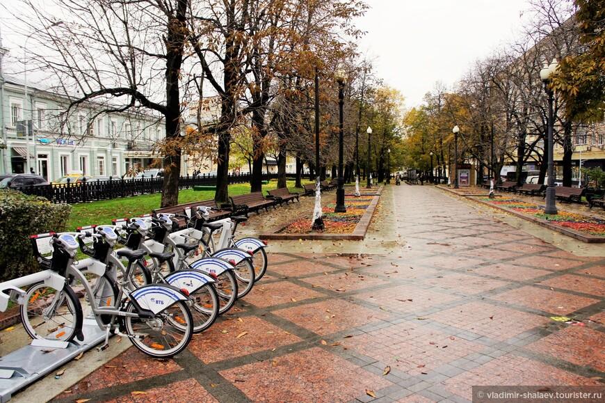 Пункт городской службы проката велосипедов.