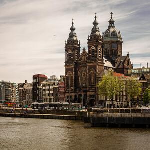 """Строительство барочно-ренессансного собора св.Николая """"в стенах"""" было закончено к 1887 году."""