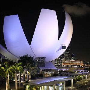 Сингапур вечерний. Красота сияющего города