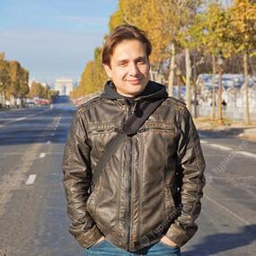 Денис Королев