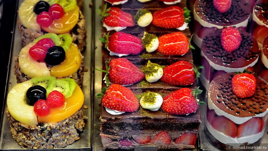 Они до неприличия свежие и вкусные и огромные... и гораздо дешевле, чем те кусочки, что вам дадут в Шоколаднице....