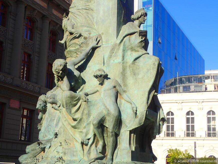 С 1837 сотрудник министерства внутренних дел, в 1840 депутат, затем председатель Конгресса. В правление президента Мануэля Бульнеса Монт был назначен министром внутренних дел и министром юстиции. В 1851 был избран президентом Чили.