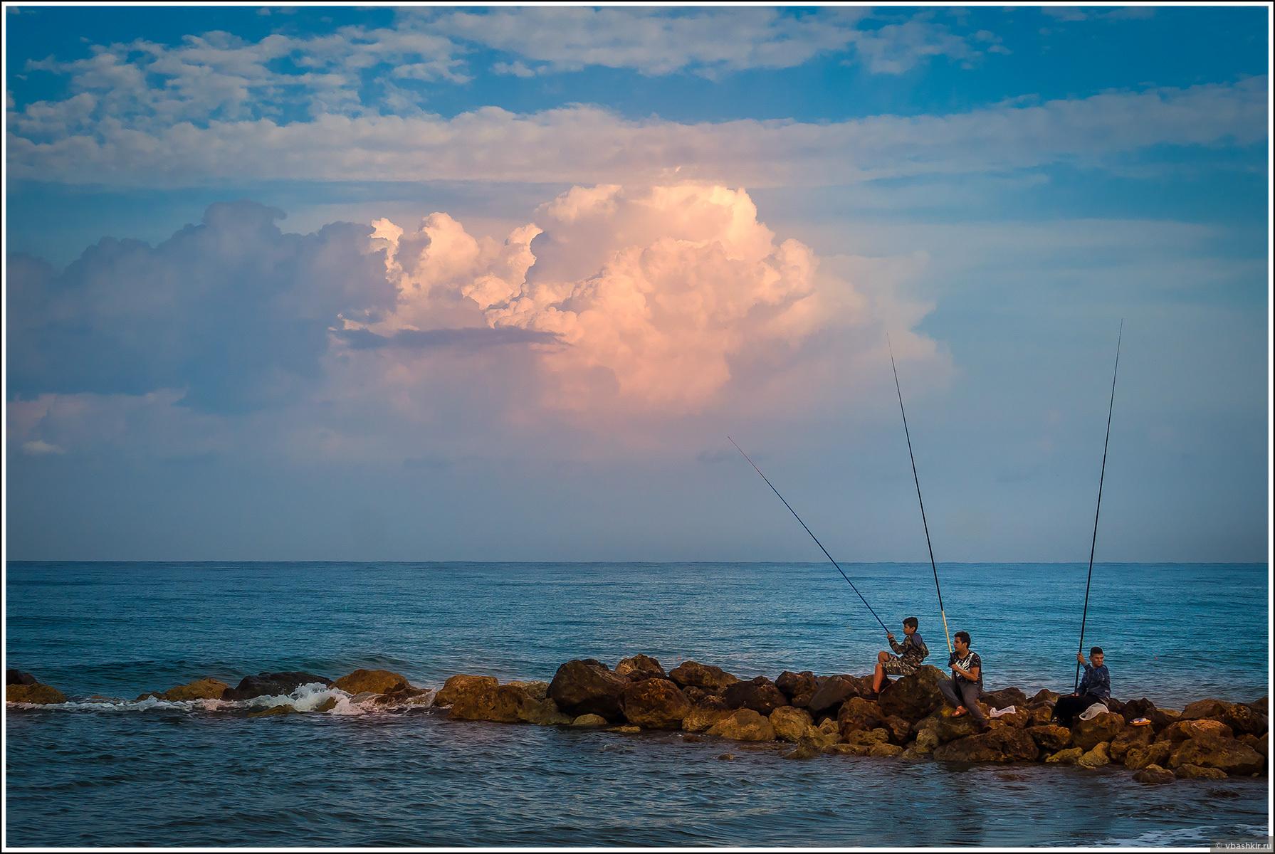 Юные рыбаки на рассвете., Моменты и эпизоды