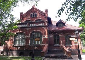 Краснокирпичная архитектура