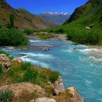 Где мы еще видели такие реки? Наверно, красивее, таджикских мало в мире.