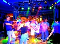Туристы выступили против закрытия турецких дискотек