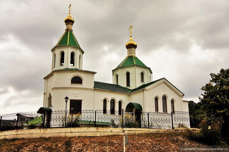 Церковь строилась в 1999-2006 гг.