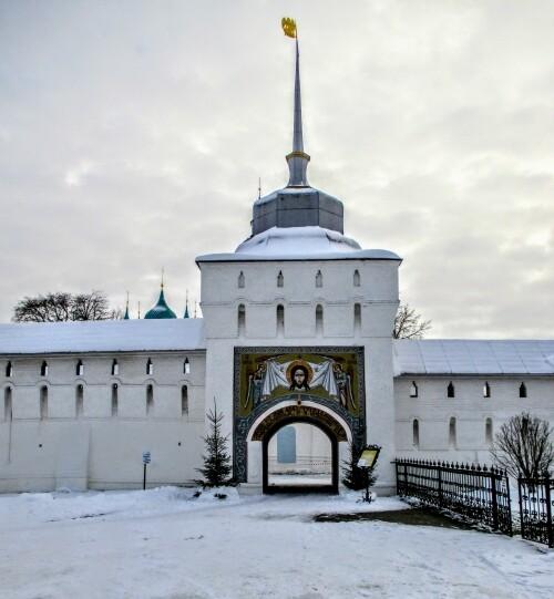 Обретение Толги, монастырь за колючей проволокой.