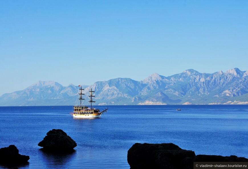 Турция - это же не только пляжи и песок, но и горы. Вокруг Антальи их предостаточно.