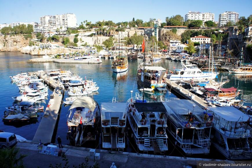 Старый порт Анталии является сердцем исторического района Калеичи.