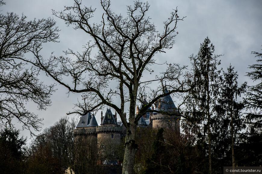 Замок в Комбуре.