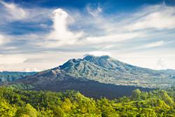 На Бали произошло небольшое извержение вулкана Агунг