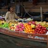 В Санья миллионы разных фруктов вкусные и свежие