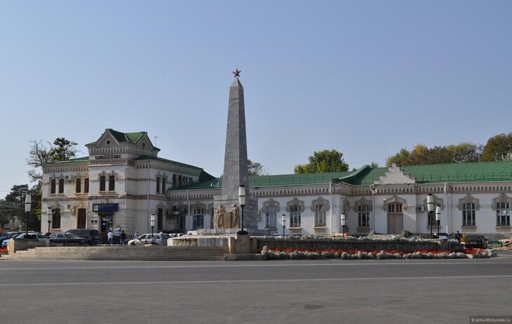 Ж/д вокзал Ессентуков (Привокзальная площадь) © Анна Кудрявцева