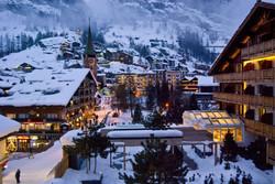 Тысячи туристов были заблокированы снегопадом в швейцарском Церматте