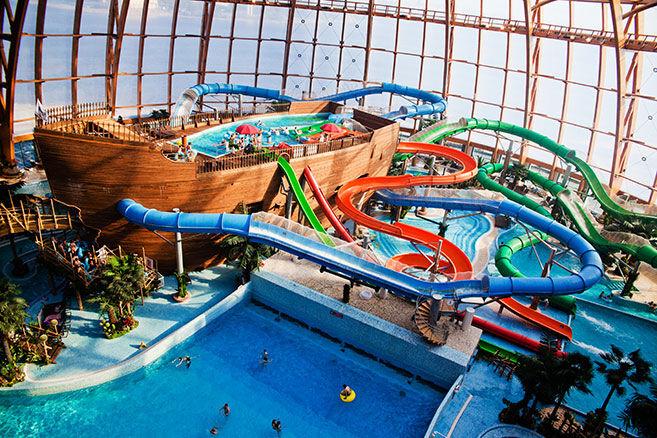 Интересные места в Питере для молодежи детей прогулок туристов бесплатные места