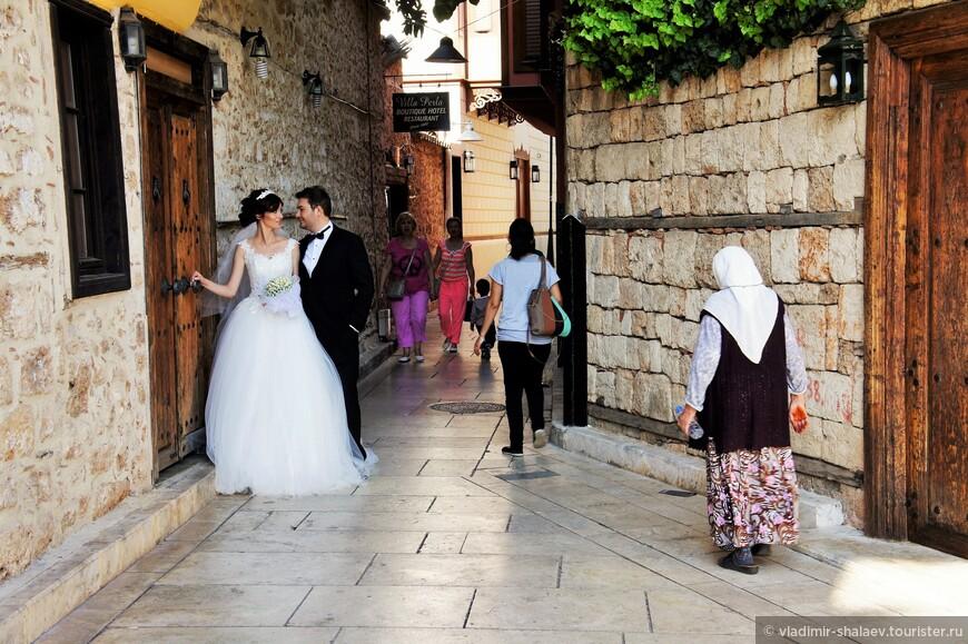 Калеичи является излюбленным местом для свадебных фотосессий.