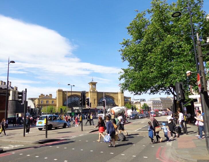 Кингс Кросс, Лондон (рядом с вокзалом Сент-Панкрас) © Инна