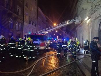 В отеле в центре Праги произошел пожар, есть жертвы