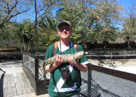 Я с маленьким крокодильчиком. Больше фото из парка в отдельном альбоме