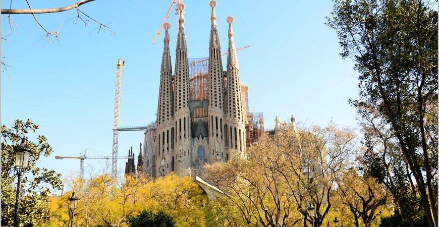 Храм Саграда Фамилия (Собор Святого Семейства) в Барселоне
