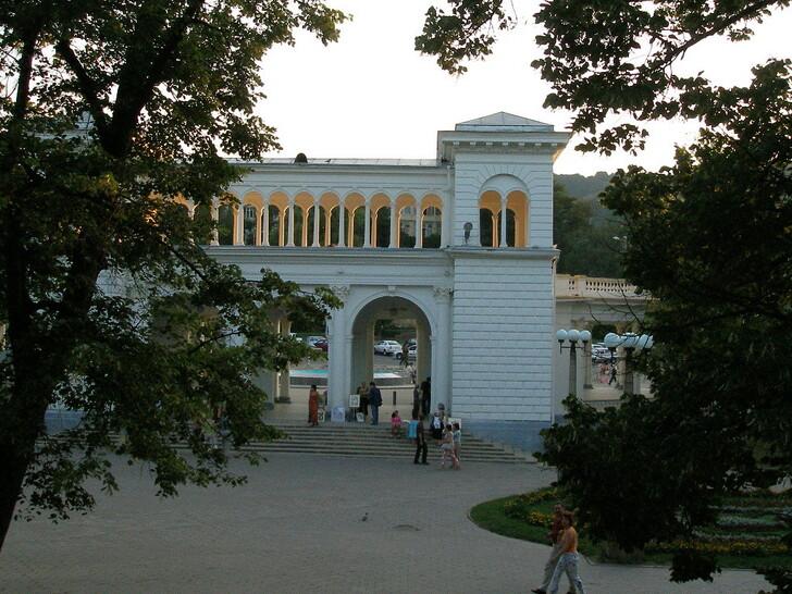 Колоннада Курортного парка Кисловодска © Ольга