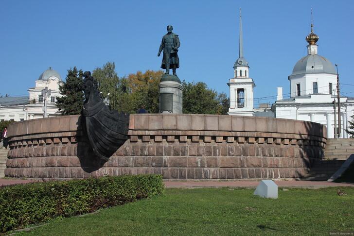 Памятник Афанасию Никитину в Твери ©Станислав Линков