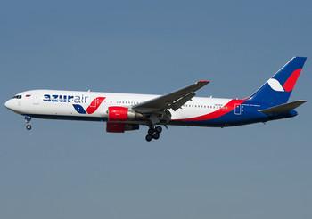 Самолёт Azur Air по пути на Кубу совершил вынужденную посадку в США